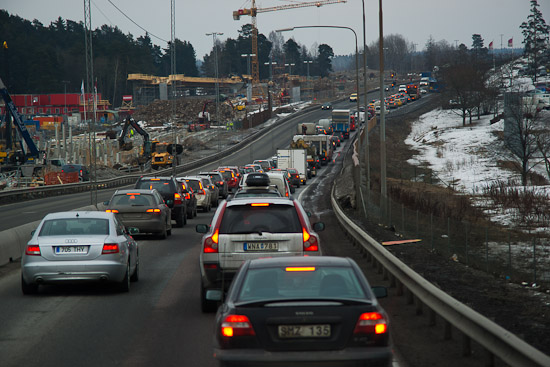 Morgontrafik med långa köer