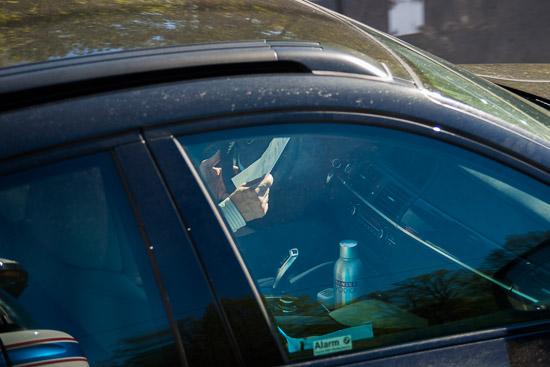 Ägna dig åt bilkörning när du kör bil