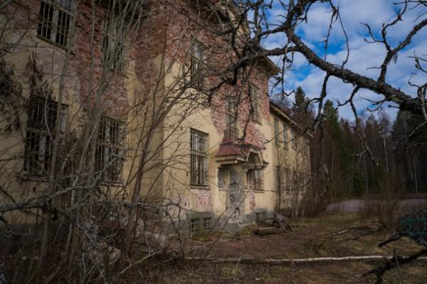 Byggnaden har fått förfalla sedan 1989