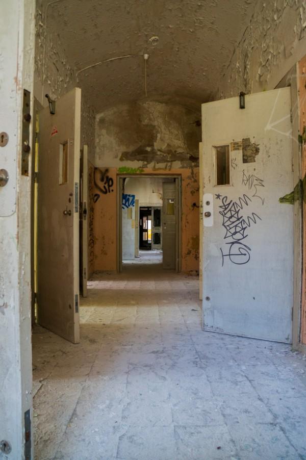 Korridor med patient- och behandlingsrum
